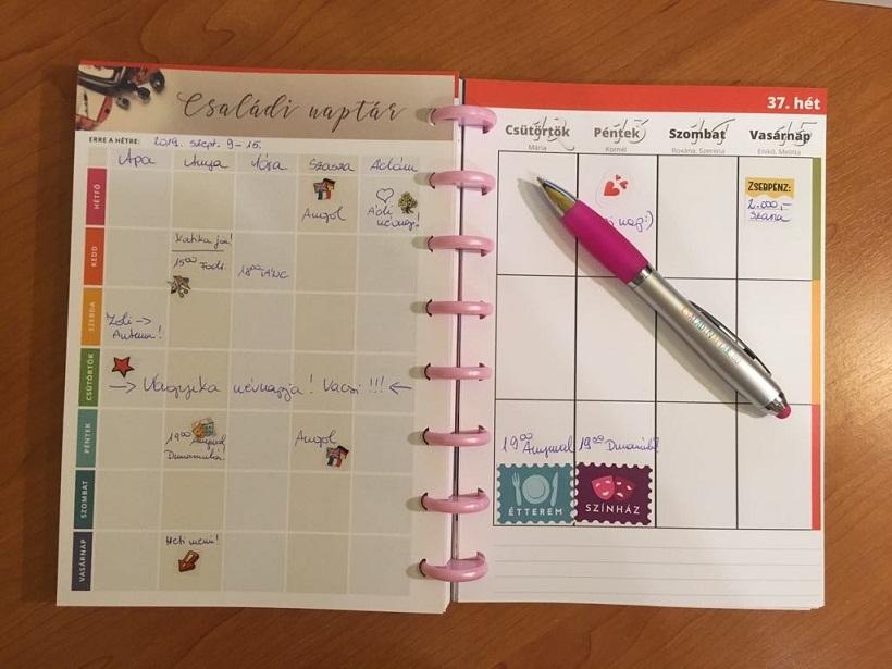 naptár anyáknak: családi naptár