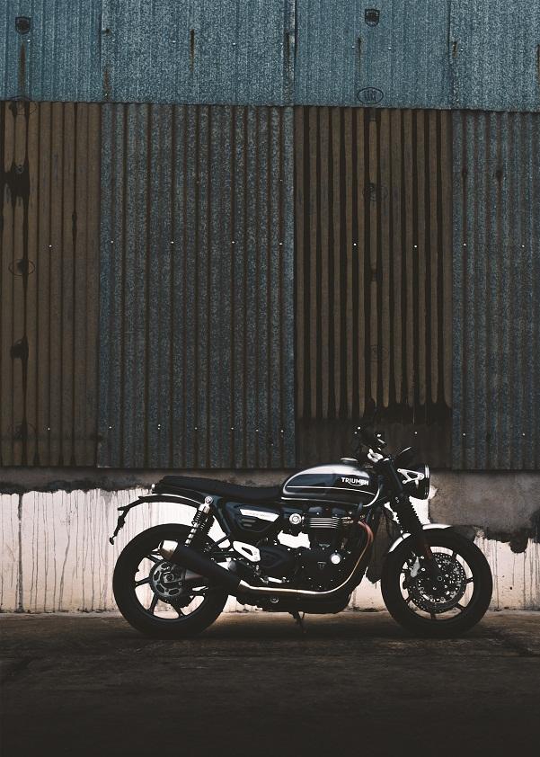 Borító  – Motoros